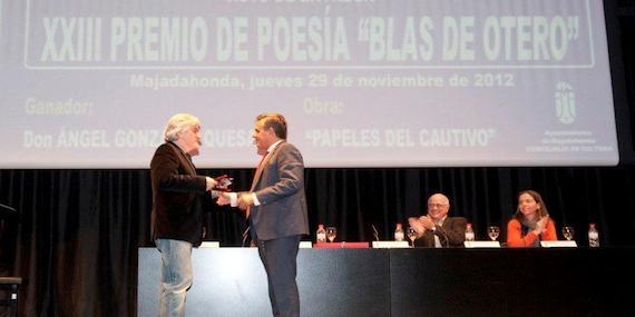 Narciso de Foxá entrega el Premio de Poesía 'Blas de Otero'
