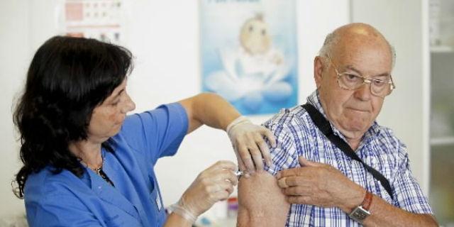 La cita previa para vacunarse de gripe podrá solicitarse por Internet