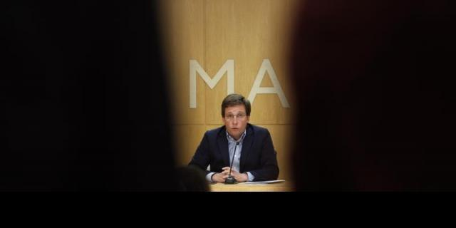 Martínez-Almeida y Escrivá acuerdan buscar espacios para refugiados en Madrid