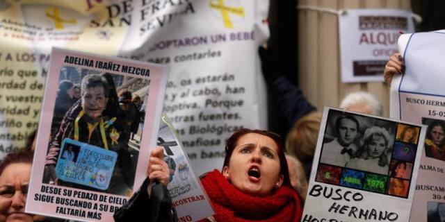 Las víctimas del robo de bebés piden justicia y rechazan el archivo de sus casos