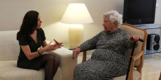 Charito, concejal con 96 años, va a Sol para reclamar un parking para Patones