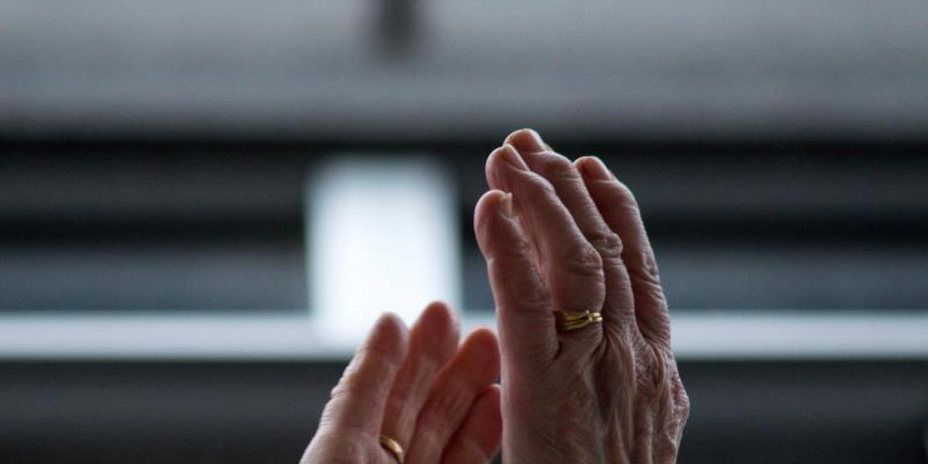 Soto del Real acompaña a sus mayores aislados con un programa de cuentos por teléfono