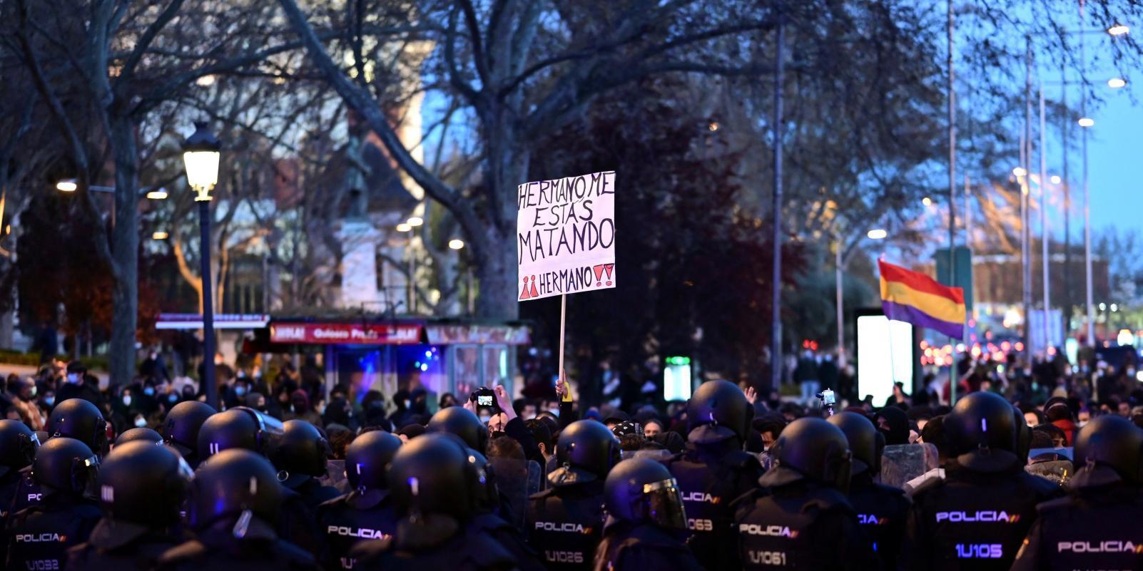 Más de un millar de personas piden la libertad de Hasel en Madrid
