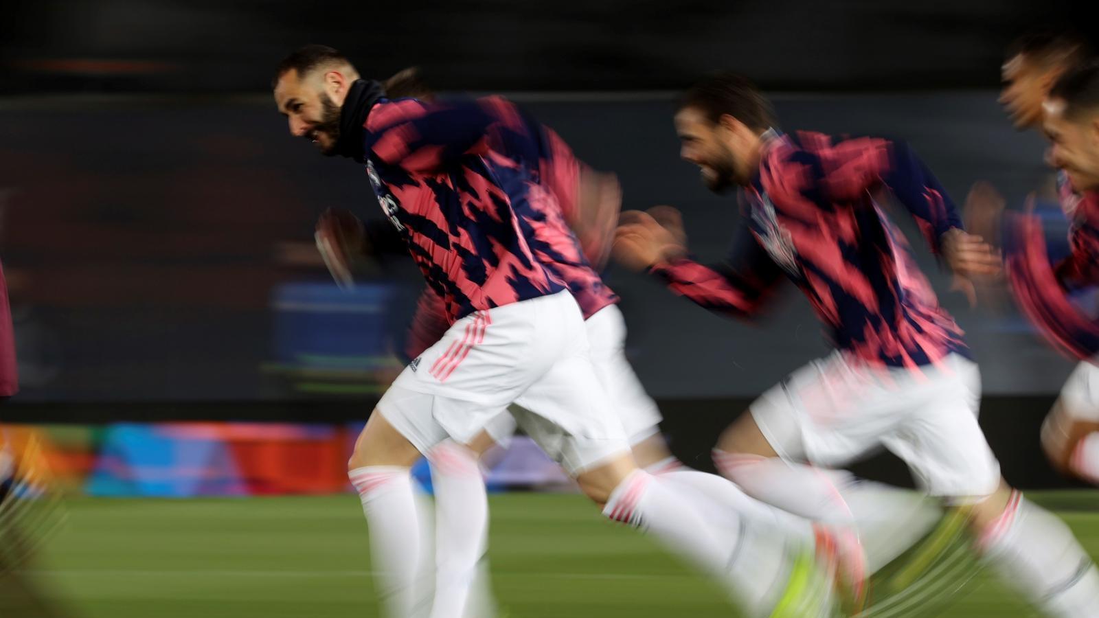 Zidane vuelve a la defensa de cinco y da la titularidad a Blanco