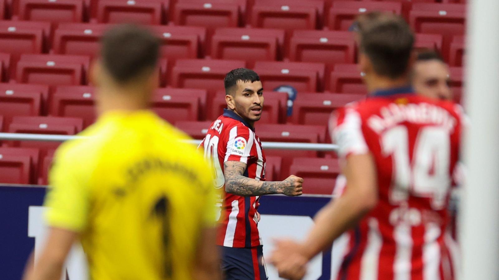 Correa adelanta otra vez al líder al descanso (1-0)