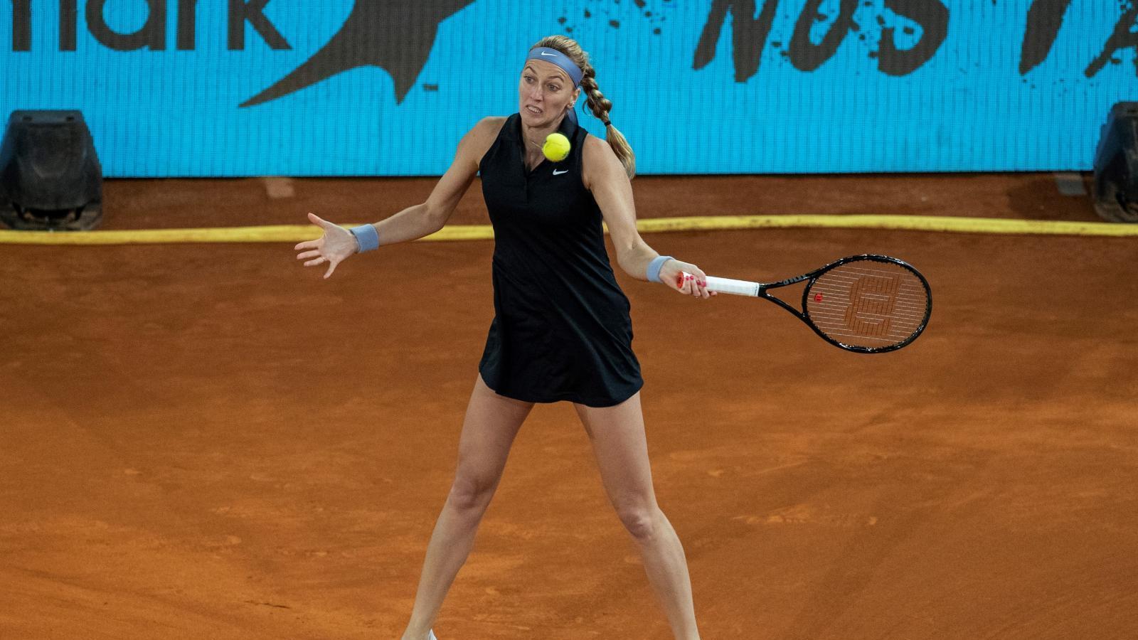 Kvitova avanza a segunda ronda tras la retirada de Bouzkova