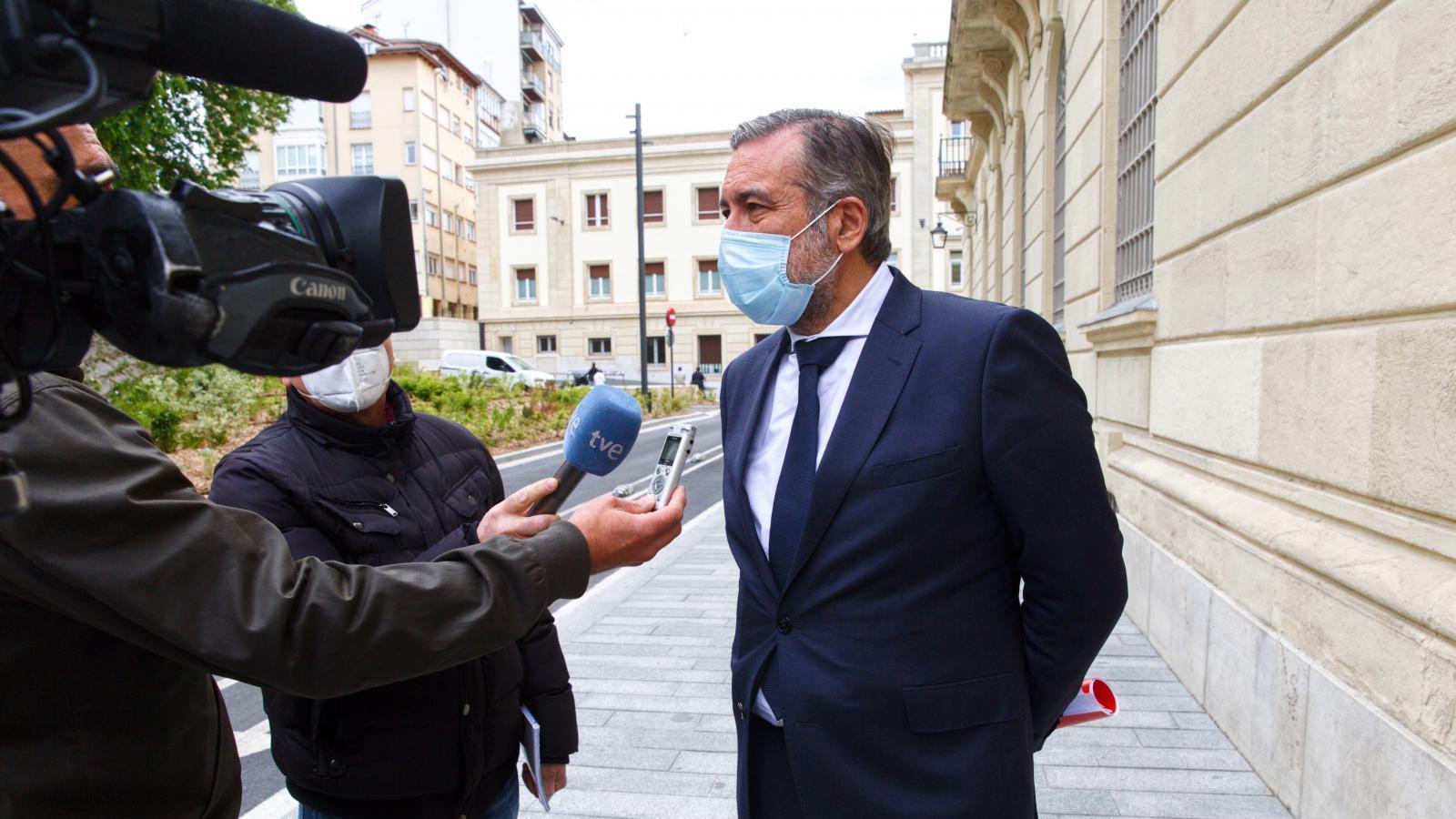 Políticos lamentan las aglomeraciones por el riesgo de salud pública