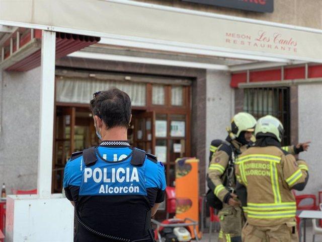 La Policía apaga un incendio en la cocina de un establecimiento de Alcorcón sin ningún herido